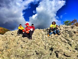 Hike to Knobby Rock
